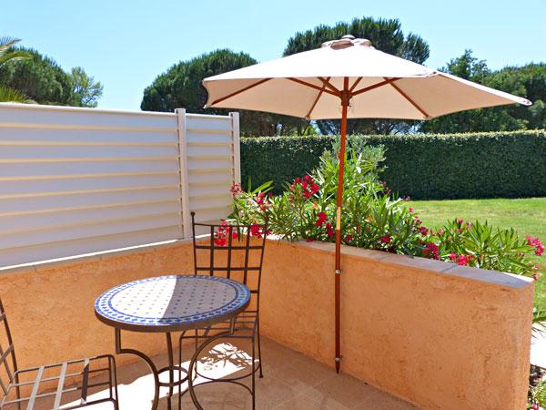 villa aliz chambres d 39 hotes grimaud. Black Bedroom Furniture Sets. Home Design Ideas